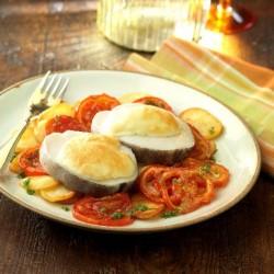 Lluç amb mussolina d'alls sobre patata