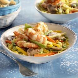 Arroz con gambas, verduras y curry