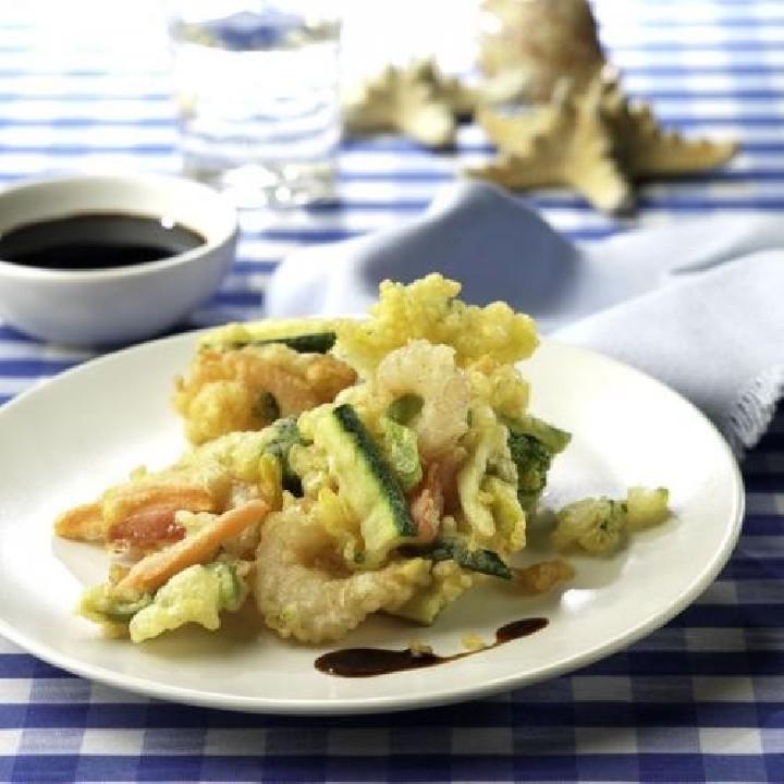 Gambas y verdura en tempura crujiente