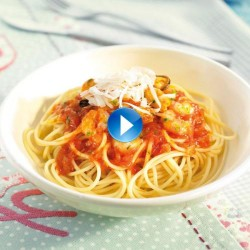 Espaguetis amb musclos i gambes