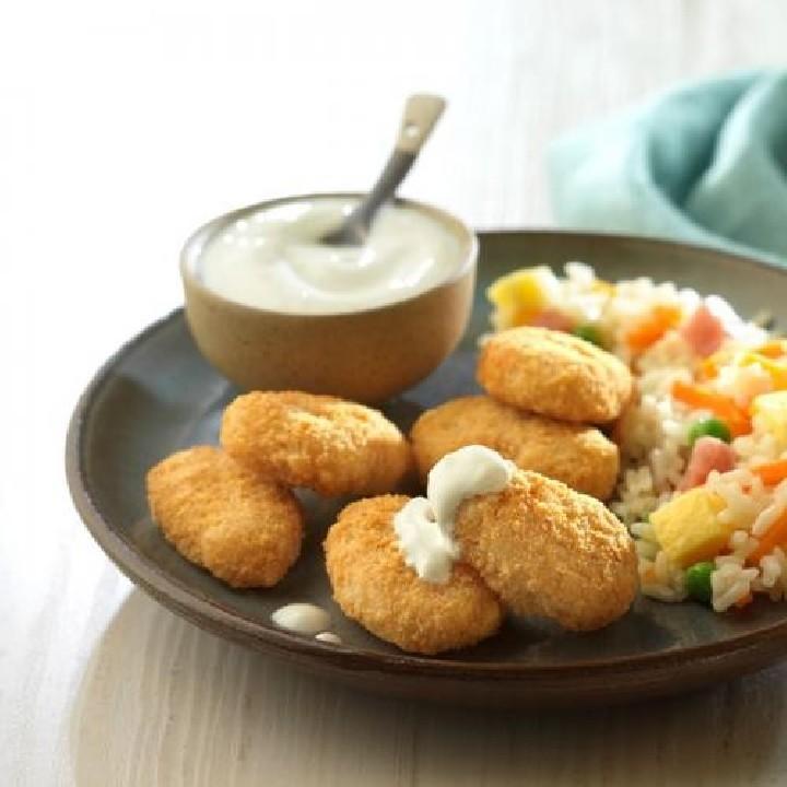Nuggets de pollo con salsa de yogur