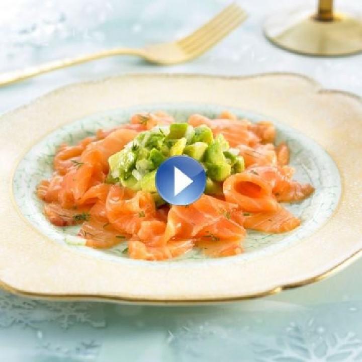 Carpaccio de salmón con aguacate