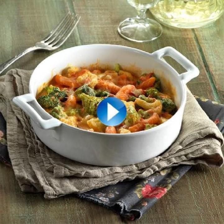 Barreja de verdures amb salsa aurora i formatge