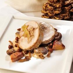 Pollo relleno de manzana, nueces y miel con salsa de foie