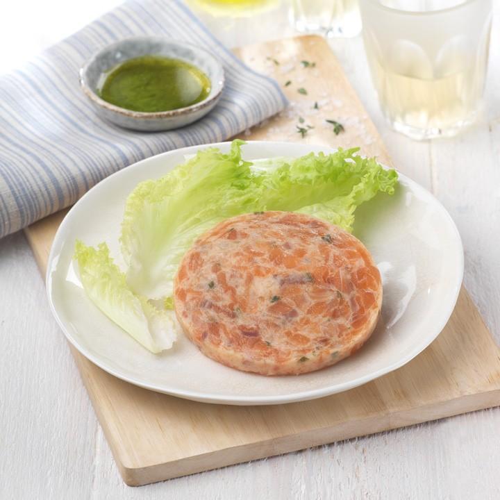 Fishburger de salmón, nata y cebollino