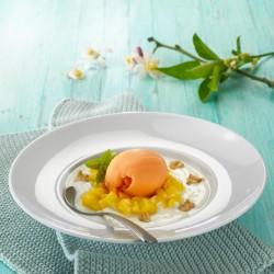 Sorbete de mandarina con sopita de yogur, mango y nueces