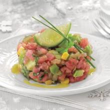 Tartar de atún con aguacate y maíz
