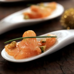 Carpaccio de salmón con nueces