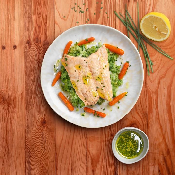 Filete de salmón sobre puré de brécol y coliflor