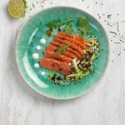 Sashimi de salmón con toques ácidos